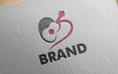 Modelo de logotipo de guitarra de amor
